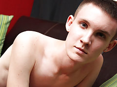 Porn twink emo gay and tiny gays twink mix videos at Boy Crush!