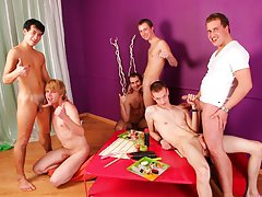 Gay travel in group and gay truckers seattle yahoo groups at Crazy Party Boys