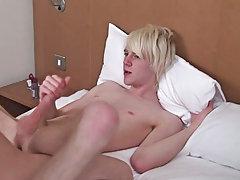 Emo boys porn video download and college boys gay sex true story at Homo EMO!
