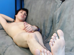 Cute smooth japan twink movie and electric twink torture at Boy Crush!