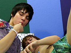 Cute emo twink movie and free tanned twink movie galleries at Boy Crush!