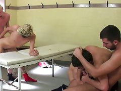 Sportsmen showing their penis - Euro Boy XXX!