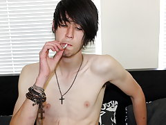 Tommy strips down and gets right into it, teasing and jerking off his juicy 7� cock until he blows his load all over his tummy naked str8 boys at Homo