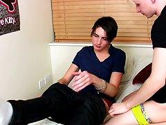 Free sex tube gay seduce young boy at Homo EMO!