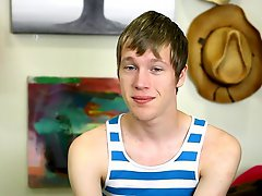 Gay twink kissing with the tongue pictures