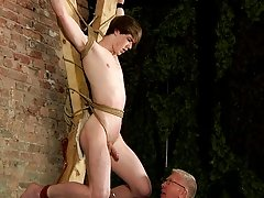 Euro young gay and twink rimming and cream pie - Boy Napped!