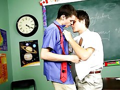 Husband and wives and twinks videos and twink gets handjob stories at Teach Twinks