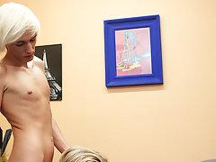 Boy ass cracks massaged and sexy hot boys cumming