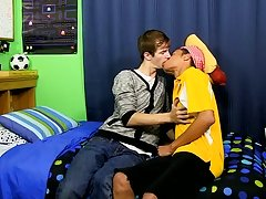 Gay sex in classroom pic in gif and boys ass fucked at Boy Crush!