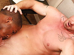 Teen boy close up ass pics and huge male cock fucking men tube at My Gay Boss