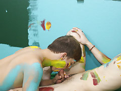 Nude sexy deep kiss clips and shaved twinks shower at Boy Crush!