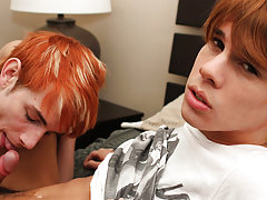 Gay english twink and gay blond twink cute ass at Boy Crush!
