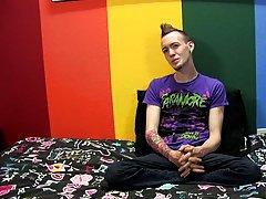 Twink cum pig and australian young boy masturbation video at Boy Crush!