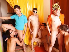 Yahoo groups gay orgy and male group nudity at Crazy Party Boys