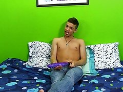 Young boys in shorts with cocks showing and gay sagging twink galleries at Boy Crush!