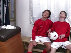 Seduce twink movie and emo twink porn films at Staxus