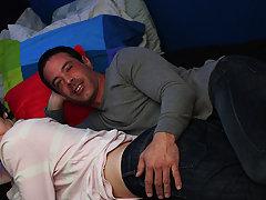 Teen gay hardcore sex and older gay men hardcore at Bang Me Sugar Daddy