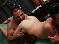 Twink gets hypnotized and swim twink locker room - Gay Twinks Vampires Saga!