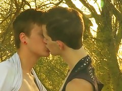 Twink gay bubble butt and gay blowjob straight at Boy Crush!