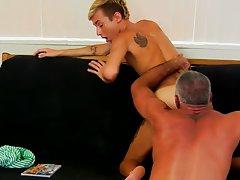 Free boys pissing and old mature gay men sucking dick and eating cum at Bang Me Sugar Daddy