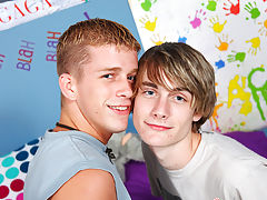 Watch free teen twinks video trailers and young twinks toon