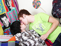 Gay twink boy porno movie and horny young gay twinks