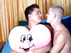 Gay male teens fucking and boy jerking in boxer - at Real Gay Couples!