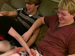 Gay porn pics american twinks and amateur teen boy gay tube - at Boy Feast!