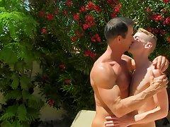 Free hardcore gay photos and free daily hardcore gay galleries at Bang Me Sugar Daddy