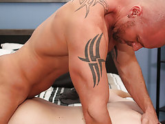 Download anal fuck by bodybuilder men and best anal sex positions in pictures at I'm Your Boy Toy