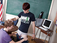 Young twink emo boy porno and mature on twinks boys at Teach Twinks