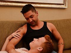 Hardcore gay sex videos and free hardcore gay porn streams at Bang Me Sugar Daddy