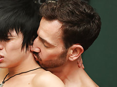 Free gay twink videos bareback and guy secretly jerking at Bang Me Sugar Daddy