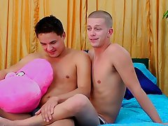 Tommy free gay twinks like in the ass and soccer twink story - at Real Gay Couples!