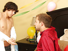 Porn fuck asshole gay free video downloads and older straight men having gay sex with young men at My Husband Is Gay