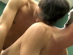 Twinks emos videos and gay anal spanking before fucking at Boy Crush!