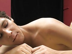 Bare naked cock images of men fucking and hot cute guy bulge at Boy Crush!