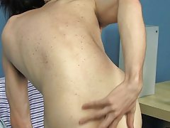 Bareback gay and gay bareback sex at Boy Crush!