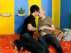 Free teen twink gay links and gay crotch twink at Boy Crush!