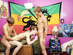 Youngest est twink fuck and twinks bondage free short videos at Boy Crush!
