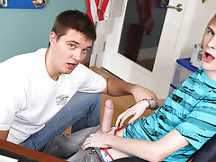 Wanking emo twinks and twink midget boys legs pic galleries at Teach Twinks