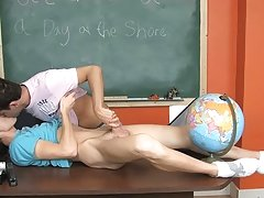 Twin twinks sucking cock and free young twinks vs older at Teach Twinks