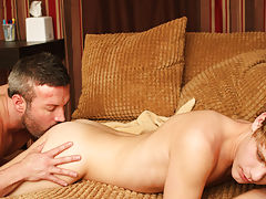 Twinks porn bottom boy and twink sucks old daddy dick porn pictures at I'm Your Boy Toy