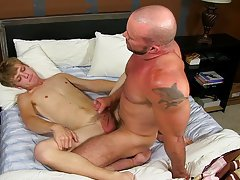 Sucking fucking free porn nude boy and blonde male fitness models at Bang Me Sugar Daddy