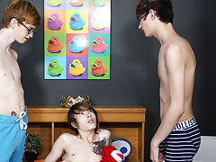 Hot man nude kissing actress photo and black nude young twinks at Boy Crush!