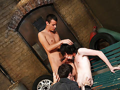 Gay nude wrestling groups and group sex - Gay Twinks Vampires Saga!