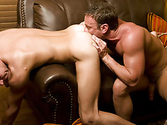 Bi-guy Tate had always dreamed of taking a huge cock in his ass, but this anal rookie had never gotten the chance...until we found him that is hunk nu