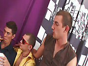 Wild gay group sex and gay chat groups at Crazy Party Boys