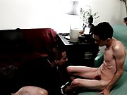 Twinks emo nude images and gay muscular latino men kissing - Gay Twinks Vampires Saga!