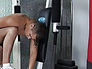 Antonio get sthe chance to be sucked by Danko who is evidently longing for cocks male muscle worship clips